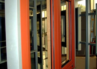 Fenêtre Aluminium  Stores motorisés sur mesures