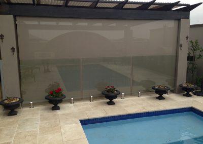 store-enrouleur-exterieur-pour-terrasse-de-piscine
