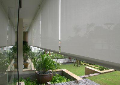 store-enrouleur-exterieur-pour-toit-terrasse-hotel