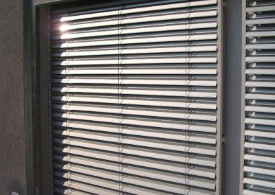 vue-des-brises-soleil-orientables-fermee-lames-z